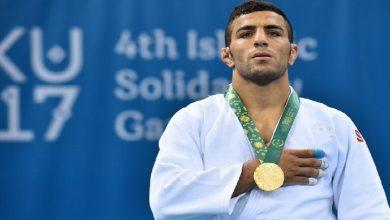صورة تتويج لاعب إيراني في بطولة دولية بإسرائيل