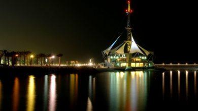 صورة كورنيش الكويت.. متنفس ومقصد بحري للمرتادين بمساراته ومعالمه السياحية على طول 10 كيلومترات